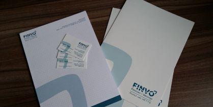 Für die FinVo GmbH aus Hannover haben wir Mappen, Visitenkarten, Blöcke und weitere Drucksachen erstellt.